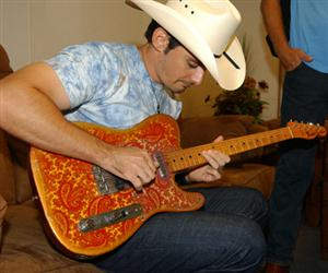 Brad Paisley Screensaver Sample Picture 3